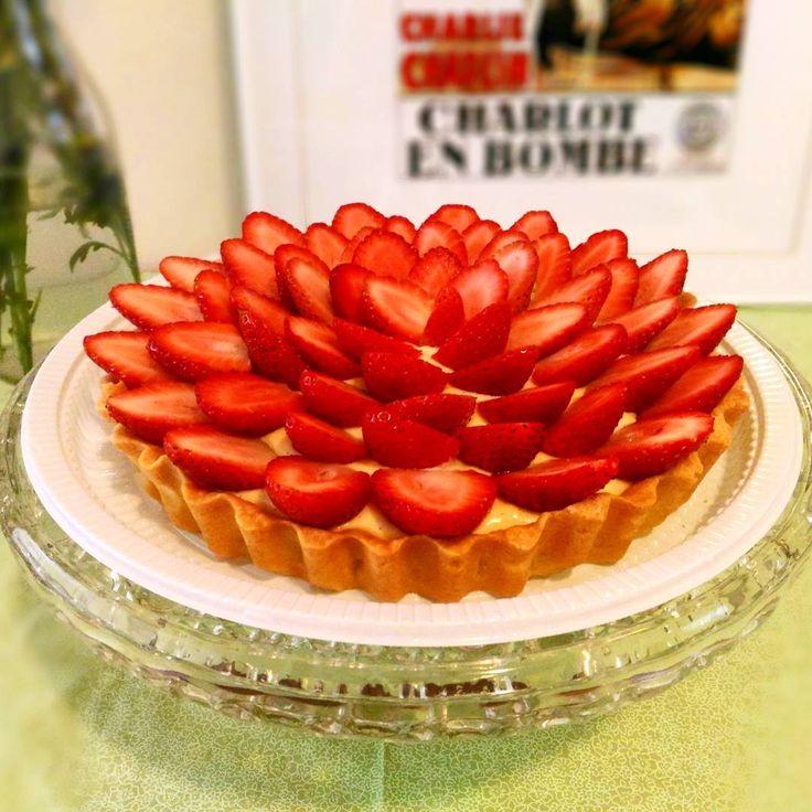 Quem não gosta de uma torta geladinha com creme de baunilha super leve massa de amêndoas crocante e muitos morangos fresquinhos? A nossa é maravilhosa!  #pie #pieoftheday #torta #confeitaria #tortademorango #dessert #dessertlover #pastry #food #pastryporn #patisserie #cooking #pastrychef #instapie #pastrylove #baking #instacake #confeitariaartesanal #instafood #homemade #strawberry #strawberrypie #morango