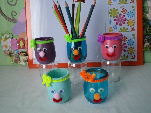 La réalisation des petits pots à crayons rigolos !!!