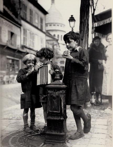 Les Petits gamins de Montmartre                              …