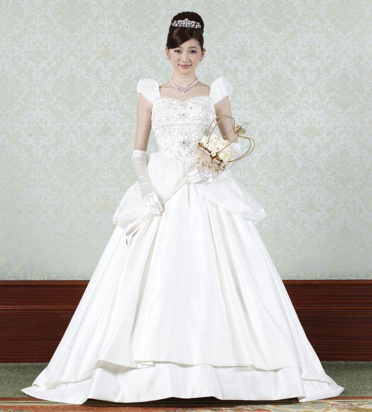 オリジナルドレス | 衣裳 | 東京ディズニーランド シンデレラ城でのウェディング | ディズニー・フェアリーテイル・ウェディング