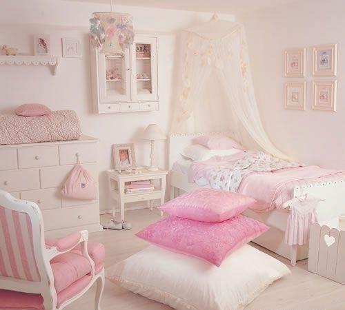 17 mejores im genes sobre dormitorios de princesas en for Habitaciones para ninas pequenas
