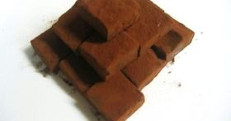 材料はたったの3つ!本当に簡単なのにとっても喜ばれちゃいます♡分量の覚え方も簡単【チョコレート:生クリーム=2:1】です