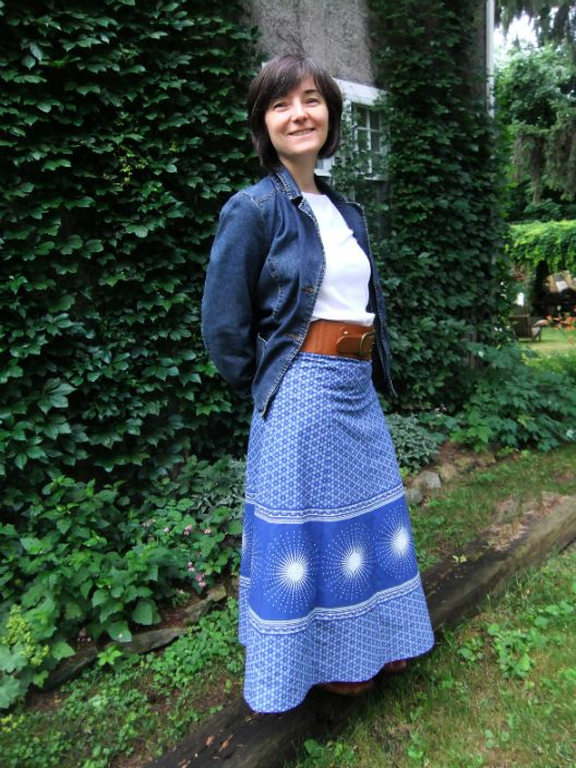 8 panel skirt in blue shwe shwe