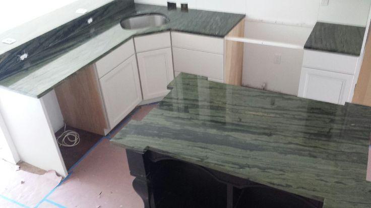 Кухонные столешницы из кварцита Verde Bamboo