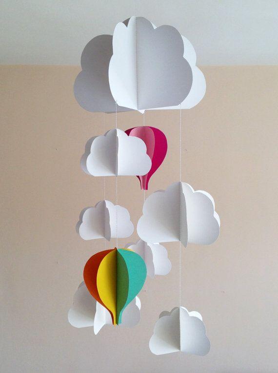 Giostra per culla, giostrina neonato, decorazione appesa per nursery con nuvole e mongolfiere cucita con la carta colorata, handmade, 3D