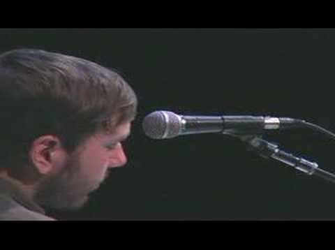 Dallas Green - Happiness By The Kilowatt (Alexisonfire song) Live and brilliant.