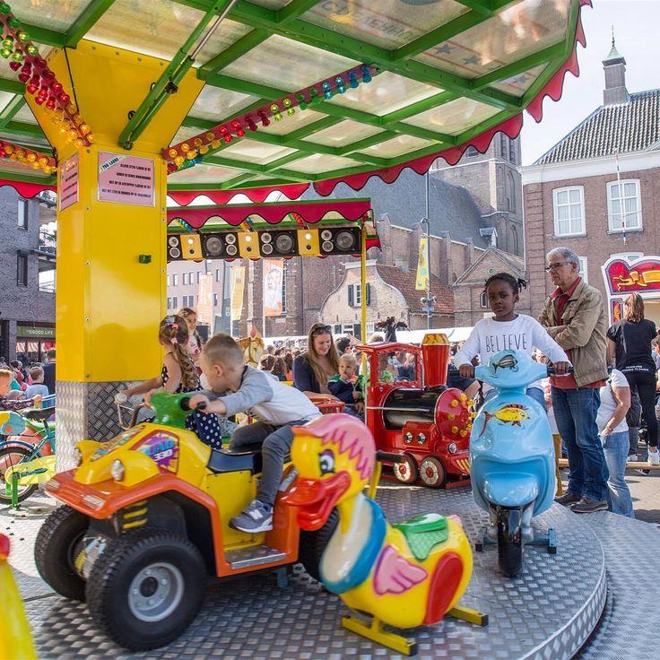 Heerlijk weer, gezellig en veel bezoekers! De Jaarmarkt in het centrum van Etten-Leur op zijn best op 24 september.