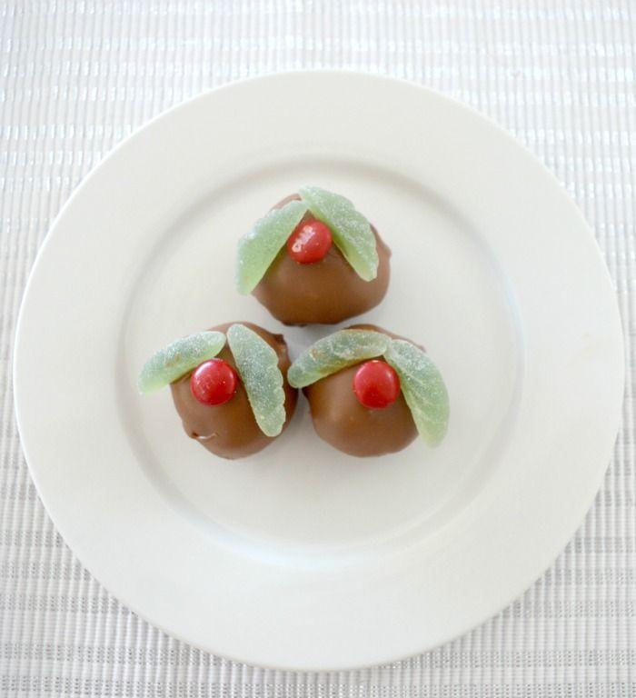 Christmas Mint Cheesecake Balls 1