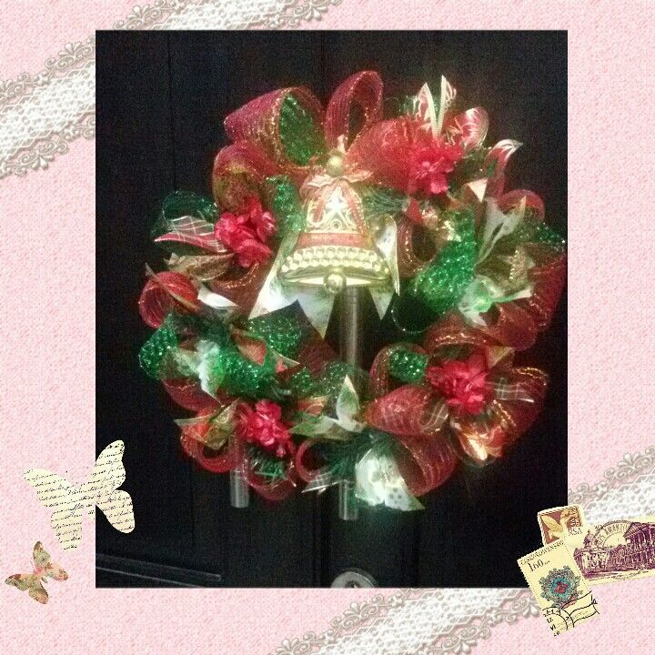Christmas wreath. Cek IG belviore flowers