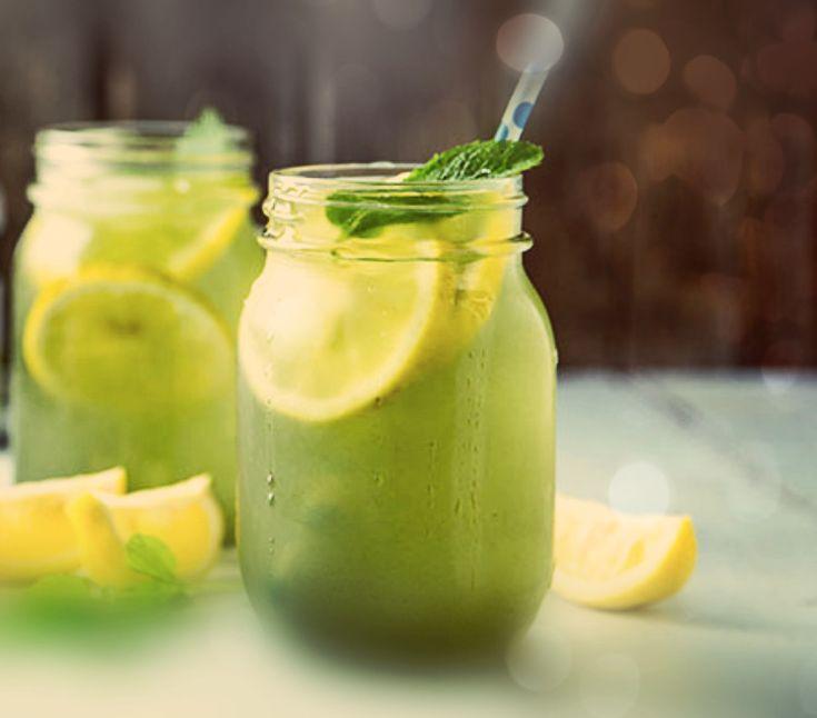 Συνδυασμός δυο αγαπημένων ροφημάτων. Τσάι και λεμονάδα. Δροσιστικό με ιδιαίτερη γεύση.