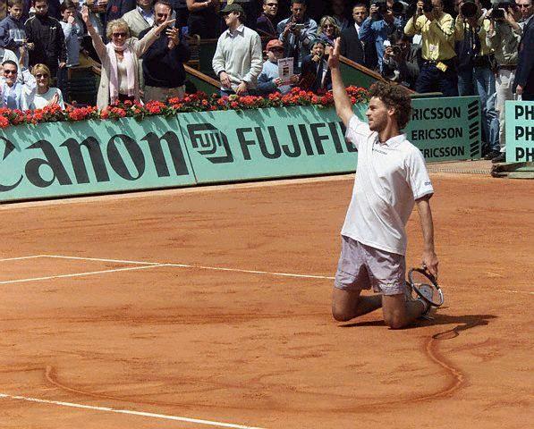 Gustavo Kuerten: Rolandgarro Coeur, American Tennis, Gustavo Kuerten Roland Garro, 2003 Tennis, Kuerten Terrebattu, Terrebattu Rolandgarro, Tennis Anyon, Sports Legends, Le Tennis