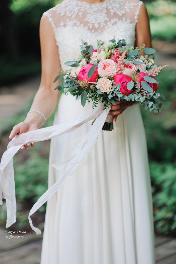 Букет невесты с коралловыми пионами #букет #свадебный #букет невесты #пионы