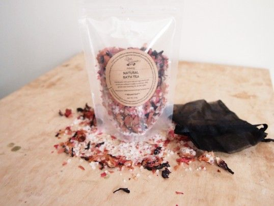 Natural Bath Tea Pack: Rose and Pink Grapefruit (Blissed Out) $10.91AU  A warm bath is similar to a massage, and helps to reduce cramps, tension headaches and improve muscle elasticity. Bath teas allow us to combine the benefits of a warm bath with the benefits of aromatherapy.