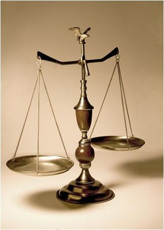 que el lado de la balanza siempre prevalezca la Justicia y la Equidad !