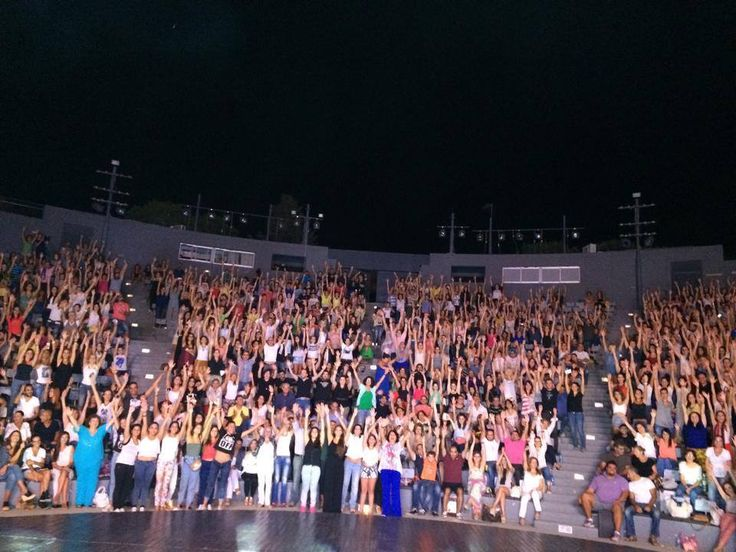 8 Σεπτεμβρίου 2014, Λάρνακα — στην τοποθεσία Παττίχειο Δημοτικό Αμφιθέατρο. #eleonorazouganeli #eleonorazouganelh #zouganeli #zouganelh #zoyganeli #zoyganelh #elews #elewsofficial #elewsofficialfanclub #fanclub