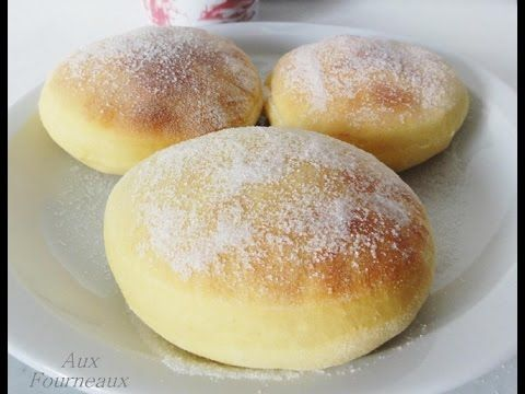 Beignets sans friture | Aux Fourneaux; Pourquoi mes beignets n'ont pas bien gonflés pendant la cuisson?  La levure contient des micro-organismes vivants si le lait ou l'eau est trop chaude, vos beignets seront plats ! ou a l'inverse si c'est trop froid, ils ne gonfleront pas non plus.  Votre cuisine n'est pas à T° ambiante, il faut alors mettre votre pâte à lever près d'une source de chaleur ( Astuce : allumer votre four à 35°C pendant 15 minutes, éteindre et mettre votre pâte dans le four )…
