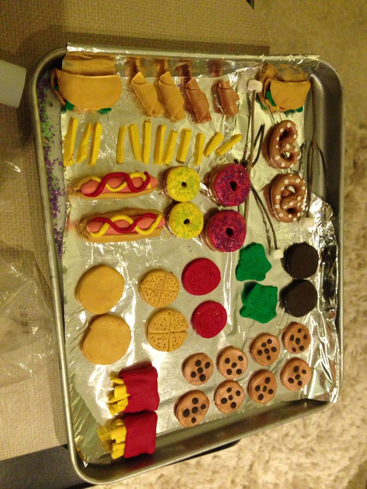 American Girl doll food made from modeling clay. Burger ...