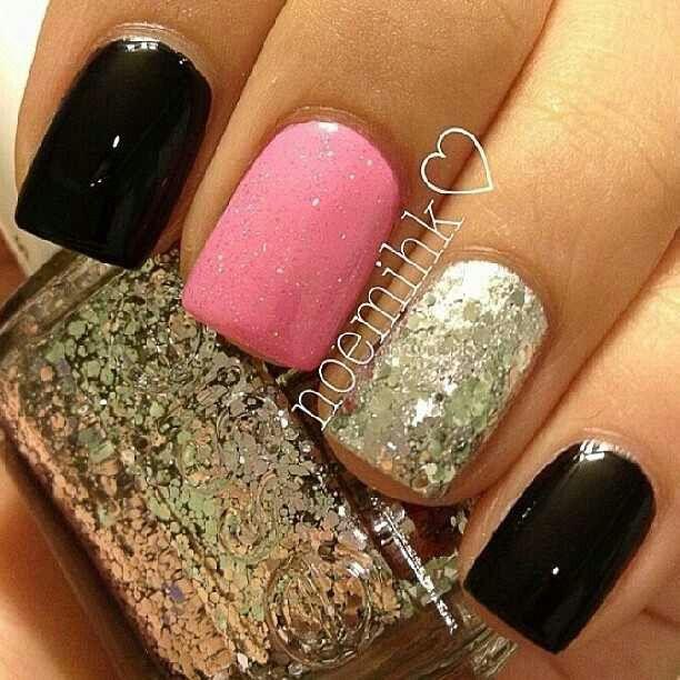 Black. Gold. Pink. Nails. Gorgg.