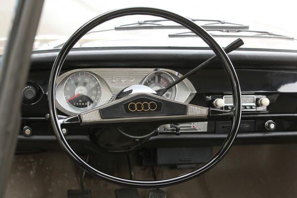 Cockpit vom Audi F103 (1965) ☺