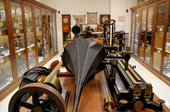 McPherson & Rutherford Physics Collections, Montreal, QC Two adjoining collections of 19th-20th century physics apparatuses and instruments