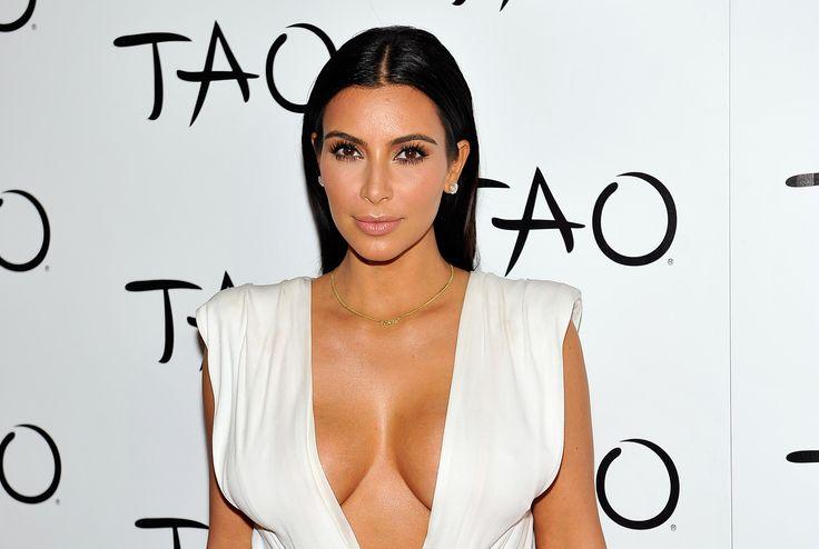 Kim Kardashian Pulls Off Anna Wintour Halloween Costume Like a Pro