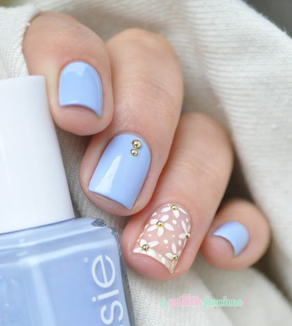 Essie summer collection 2015 salt water happy light blue - daisies flower nail art