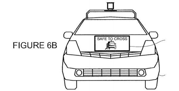 """Наибольшая эффективность наземного беспилотного транспорта достижима в условиях """"умного"""" города, в котором автомобили могли бы обмениваться информацией, оптимизируя свое передвижение и минимизируя или исключая риски столкновений. В отличие от техники, которая всегда готова соблюдать даже самые жесткие правила и никогда не устает и не проявляет эмоций, водители и пешеходы нередко принимают рискованные решения, ведут себя на дороге спонтанно и непоследовательно."""
