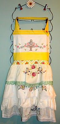 Adorable DIY Apron Made From Vintage Pillow Cases.  Image/tutorial via My Vintage Mending, from February 21, 2011.