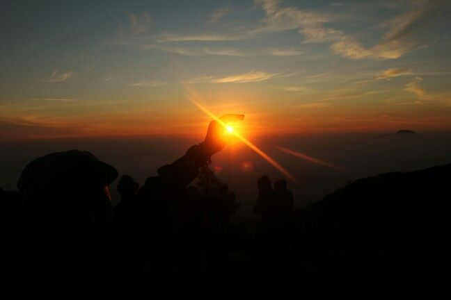 Sunrise, seperti harapan yang sedang muncul. I love you :)