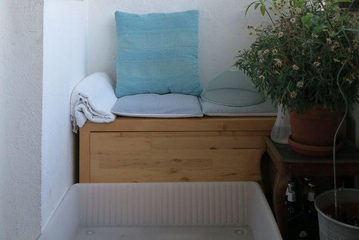"""Manchmal kann es so einfach sein Zu Beginn des Sommers habe ich vor dem Platzhirsch eine Unterbettkommode bzw. einen Bettkasten von Ikea gefunden mit dem Hinweis """"Zu Verschenken"""". Ich w…"""