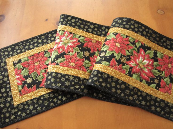 Christmas Table Runner Poinsettias by patchworkmountain.com