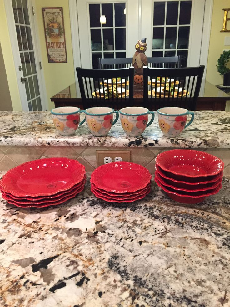 New pioneer woman dishes love kitchen decor for Kitchen setting ideas
