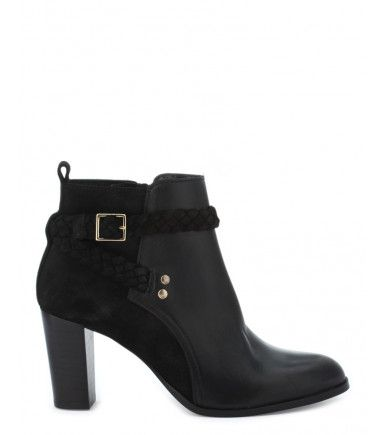 Bottines noires Cosmoparis 150€