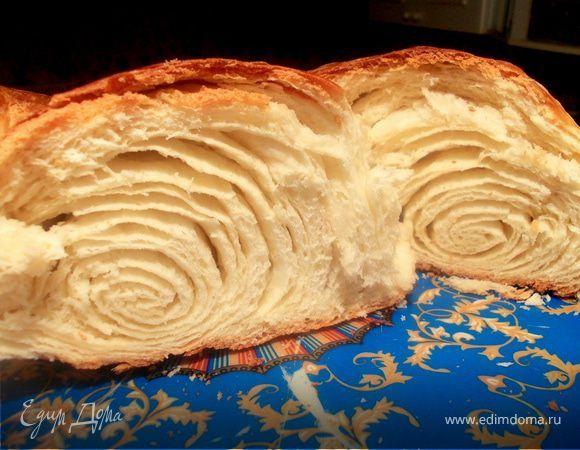 Предлагаю вашему вниманию,традиционный свадебный пирог, греков Приазовья. Его печет мама жениха к свадебному столу,чтобы у молодой семьи всегда был достаток и благополучие! Пирог,не смотря на свой ...
