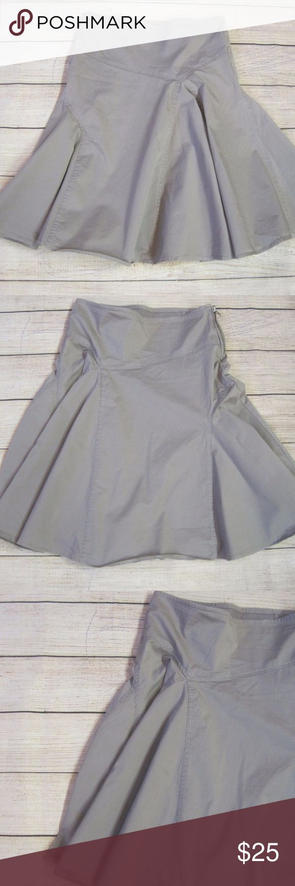 """United Colors of Benetton Skirt Flare Panel Gray United Colors of Benetton Skirt Womens Sz 40 Pleated Panel Flare Gray Casual  waist 32"""" length 22.5""""  A1405kt10 United Colors Of Benetton Skirts"""