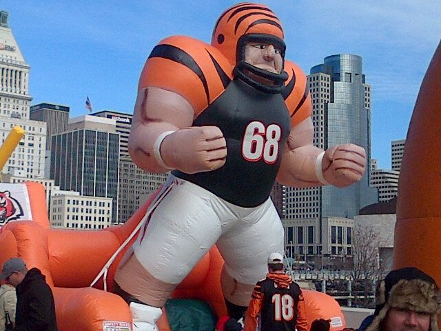 Paul Brown Stadium have to love when you get to bring the inner kid out with the Bengals in training! #WhoDey!!!