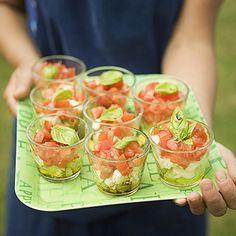 Las ensaladas son un plato de lo más sugerente para los calurosos días del verano. Hay mundo más allá de las ensaladas clásicas de lechuga y tomate. Por ejemplo
