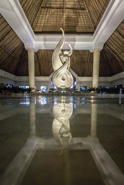 Le lobby de la section Grand Bahia Principe Akumal by Éric Senterre, via Flickr http://www.bahia-principe.com/