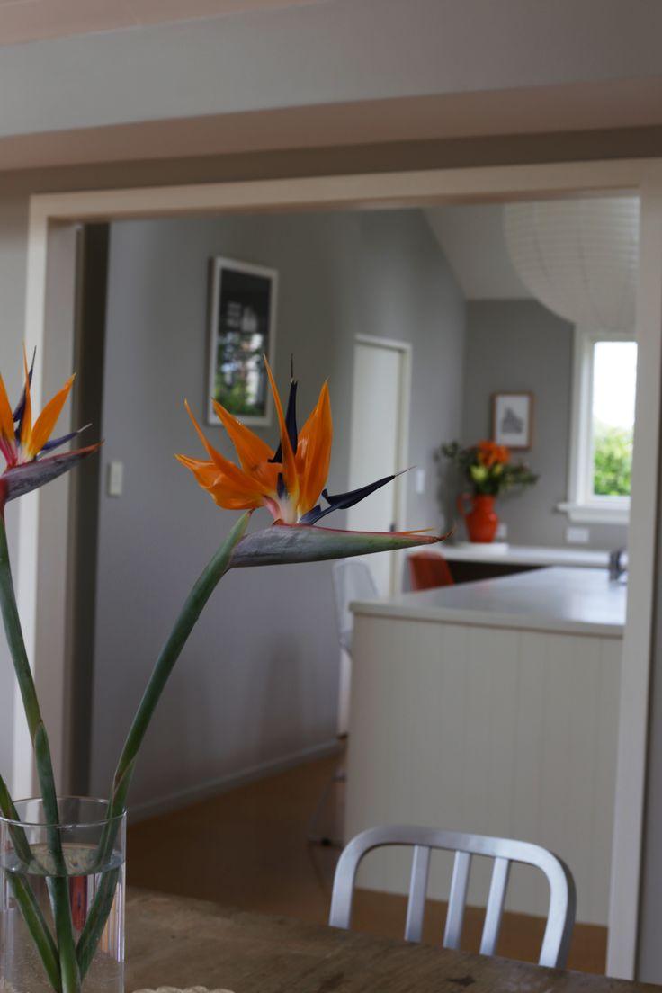 #homestaging by #placesandgraces #kitchen #dining #styling #flowers #birdofparadise