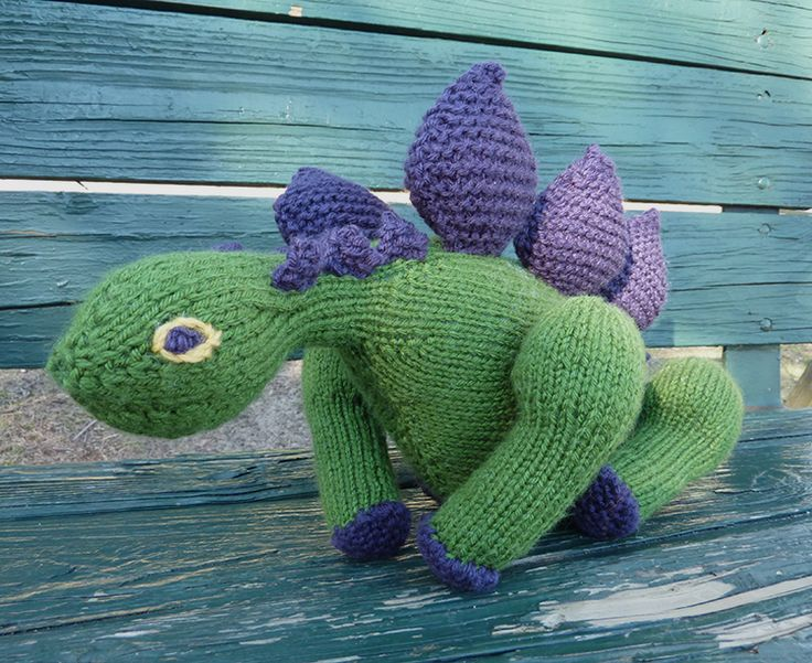 Free Dinosaur Knitting Pattern : A stegosaurus from Knitted Dinosaurs by Tina Barrett WE   KNITTING BOOKS ...