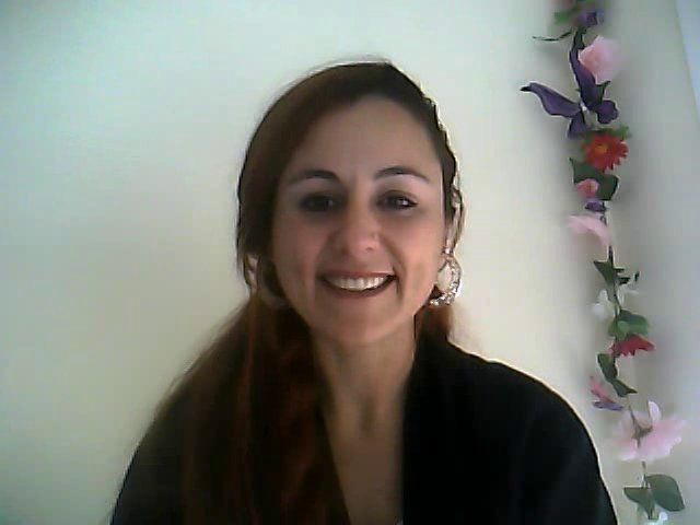 ¿Tienes algún hobby?. Adelina from Spain talks about her hobbies. (Listening activities website)