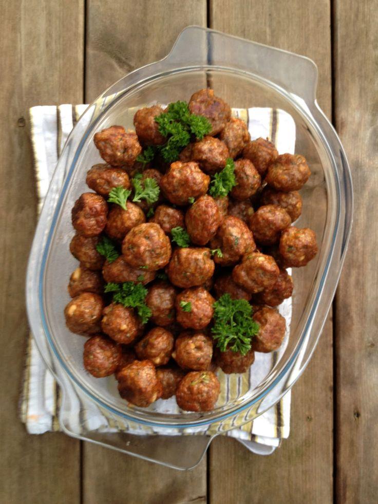 Da jeg fant ut at kjøttboller kunne stekes i ovnen, ble de små smaksbombene plutselig enkle å lage. På veien fra stekepannen til ovnen endr...