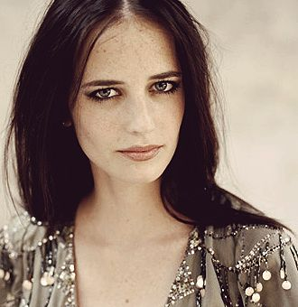 Eva Green. Brilliant! Simply brilliant! (Dark Shadows, James Bond : casino…