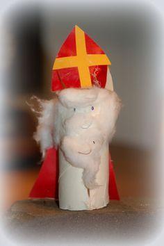 Sinterklaas knutselen van een wc-rolletje