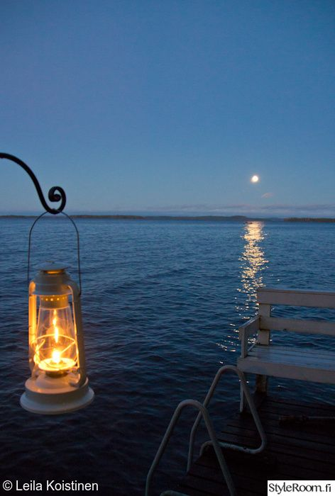 mökki,laituri, Lantern on the lake