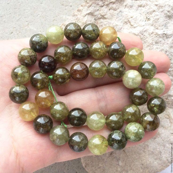 Купить Гранат 10,5 мм зеленый шар гладкий см.описание и фото