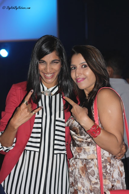 Fashion Blogger Shalini Chopra with singer Anushka Manchanda at blackberry's Sharp Nights Jam in ShopImagine