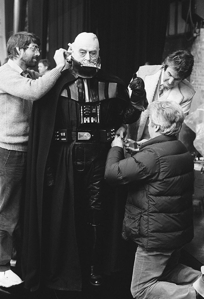 """oldschoolsciencefiction: """"Sebastian Shaw preparing for his small but important role as Anakin Skywalker in """"Return of the Jedi"""" """""""