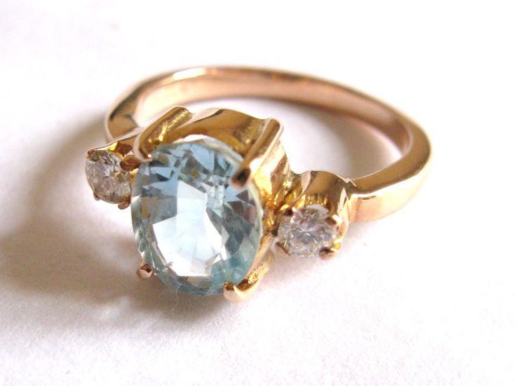 18ct Rose Gold Aquamarine & Diamond Ring