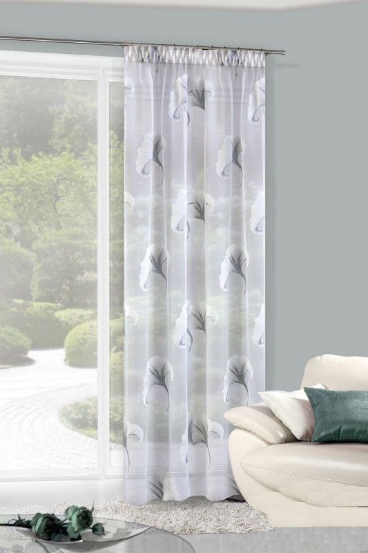 Zasłony w kolorze białym do pokoju ze srebnymi wzorami